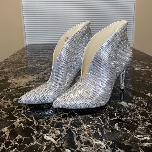 Shoes - Silver Jessica Simpson Heels